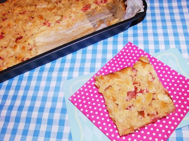 Rhabarberkuchen mit Zimtstreusel