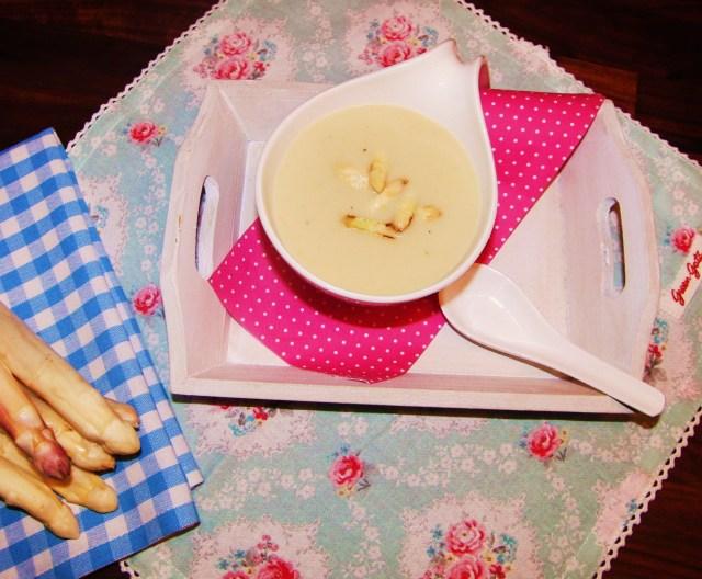 Spargelsuppe mit Vanille