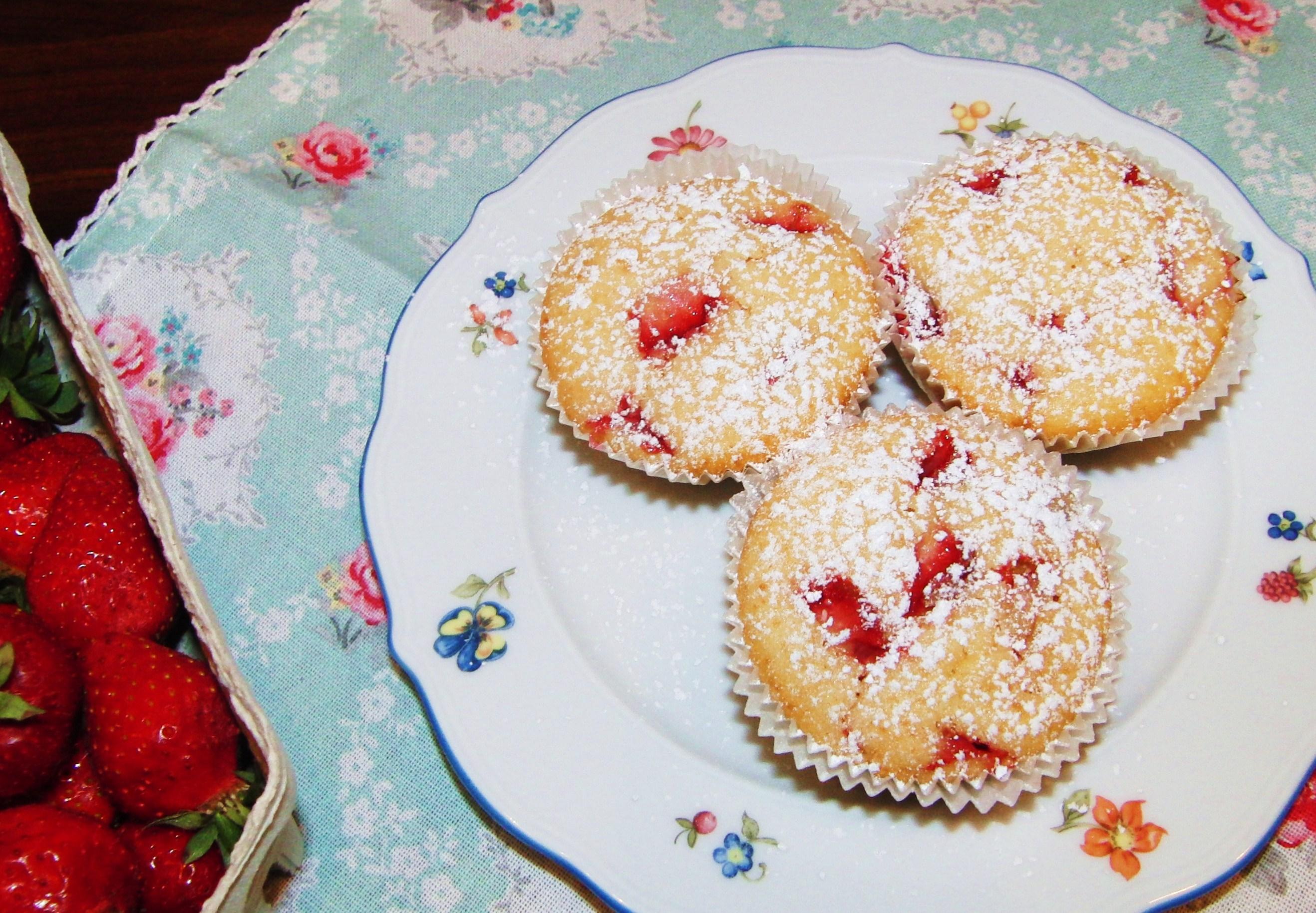 Fruchtig Saftig Und Suss Erdbeer Vanille Muffins Fraulein Ella