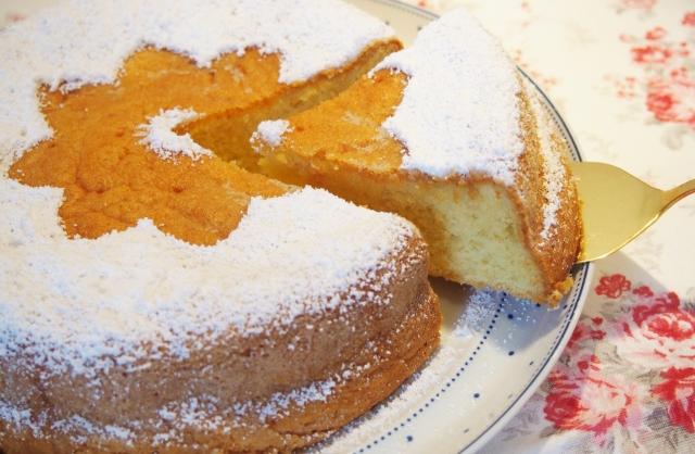Saftiger Olivenölkuchen mit Orangensirup