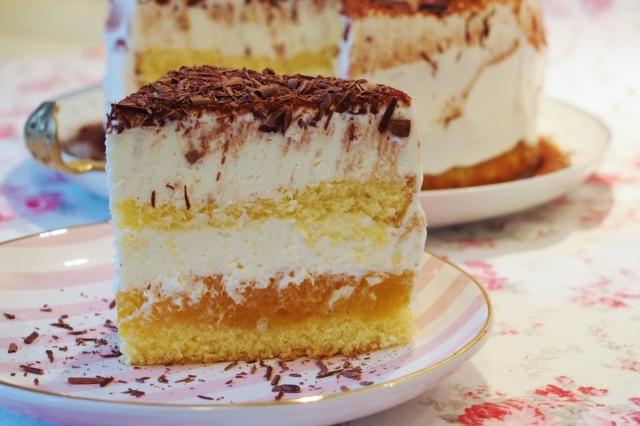 Aprikosen-Tiramisu-Torte