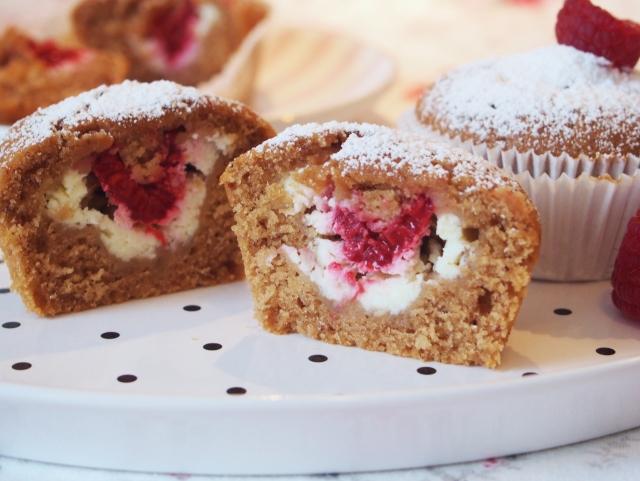 Nougat-Muffins mit süßem Kern
