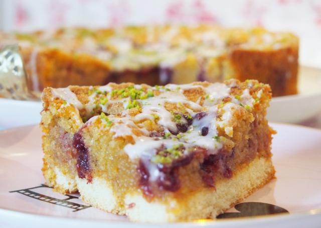 Preiselbeer-Löffelbiskuit-Kuchen