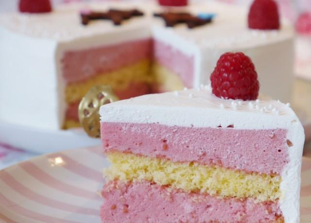 Himbeermousse-Torte