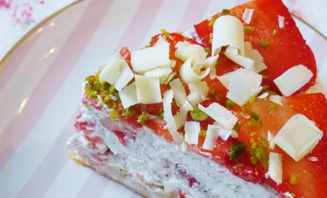 Erdbeer-Marzipan-Nest