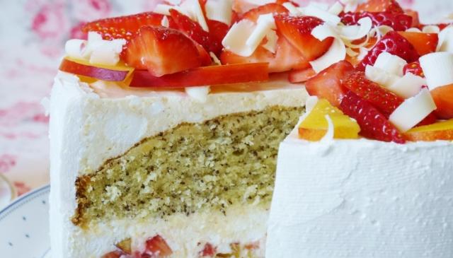 Nektarinen-Mohn-Torte