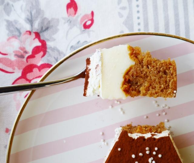 Amaretto-Nougat-Mandel-Torte